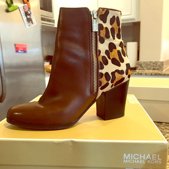 Michael Kors Silvy Ankle Boot Size 7.5